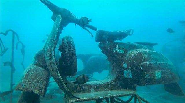 Underwater moped Gili T